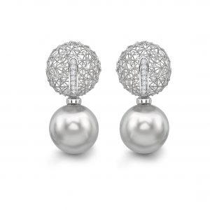 Tom Rucker Jewellery. Platinum Ear Rings Platinum 950. 14 rare white diamonds 0.15 carats South Sea Tahiti Pearls