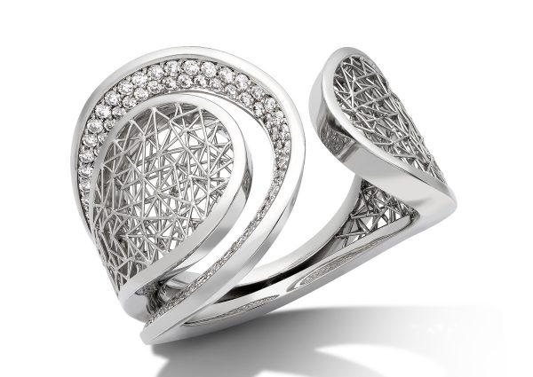 Tom Rucker Jewellery. Platinum 950 Ring. 22 mm wide, 100 rare white diamonds 0.60 carats