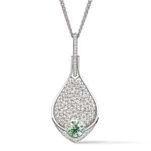 Tom Rucker Jewellery pendant. Platinum necklace with rare white brilliant-cut diamonds and a significant HRD certified natural fancy intensive green brilliant cut 3.05 carat diamond