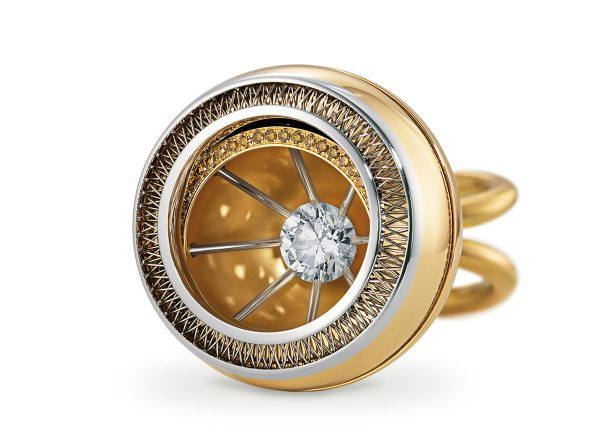 Tom Rucker Jewellery. Platinum and gold ring with natural fancy gold-brown brilliant-cut diamonds. HRD Certified Hearts and Arrows rare white brilliant-cut diamond 1.53 carats