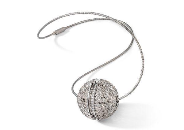 Tom Rucker Jewellery Platinum necklace with rare white brilliant-cut diamonds
