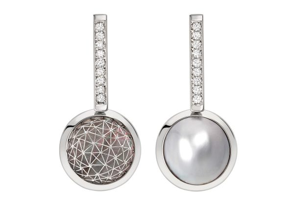 Tom Rucker Jewellery. Ear rings (double sided) Platinum 950 with natural rare white diamonds, Tahitian Mabe pearls