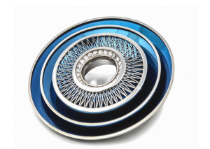 Tom Rucker Jewellery. Brooch / Pendant. Blue Hyderian® Platinum with 955 rare white brilliant-cut diamonds in a laser welded structure. Goldsmiths Craft and Design Awards 2017